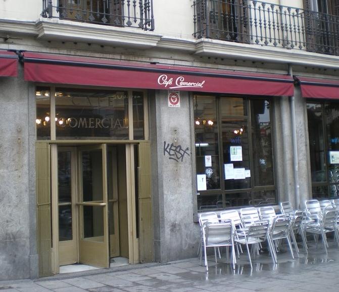 Fachada del Café Comercial