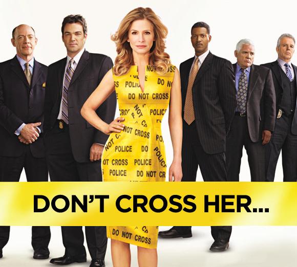 """Cartel de """"The closer""""; atención al juego de palabras con """"cross"""""""
